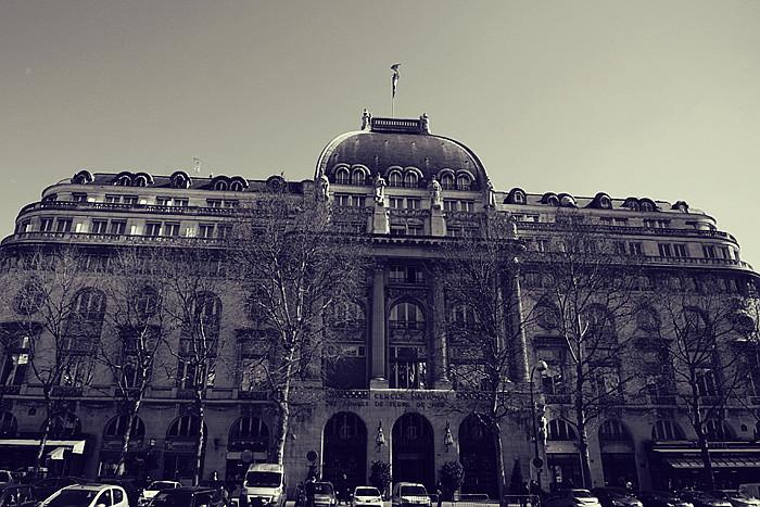 PARIS (120)