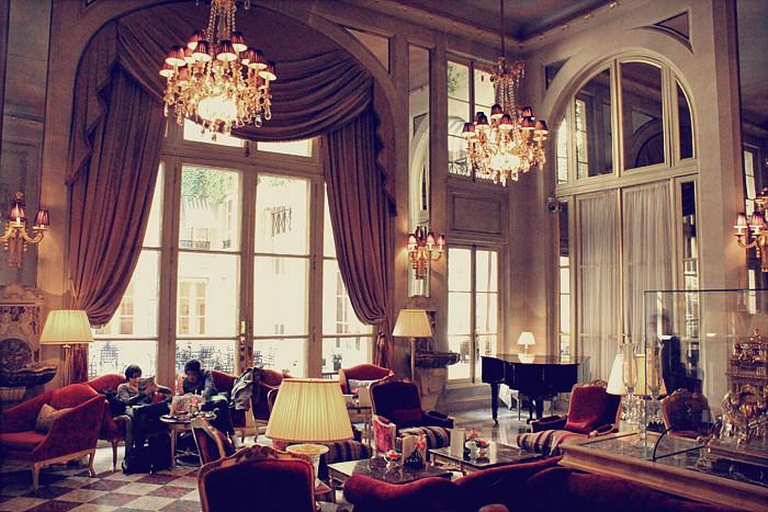 PARIS (232)