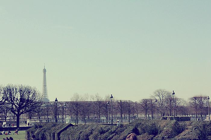 PARIS (52)